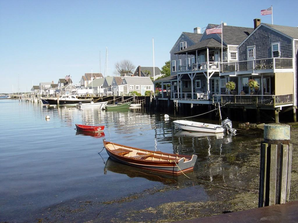 Houses on the water in Nantucket Sound