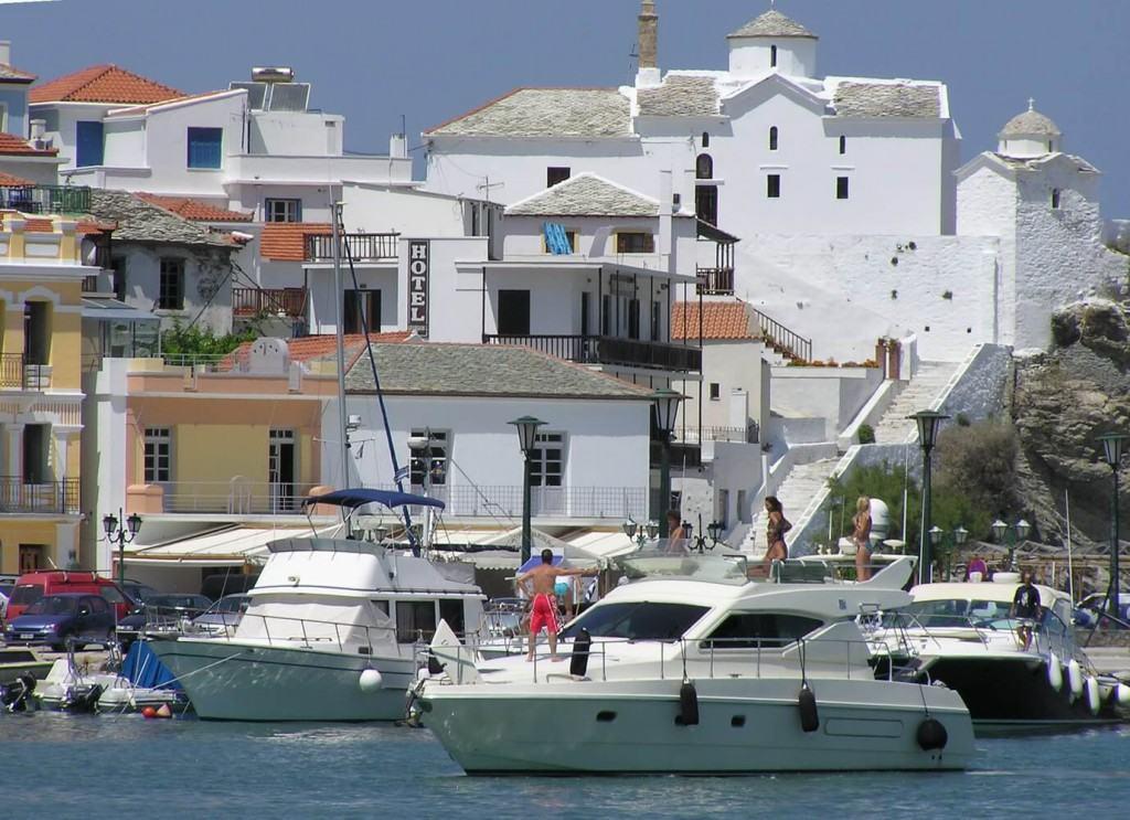 Boats in SPORADE marina