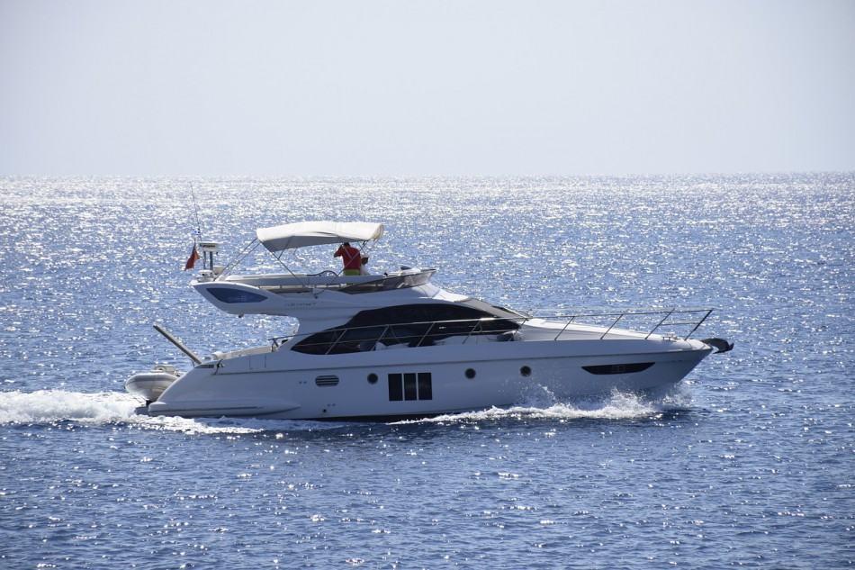 yacht-582738_1280