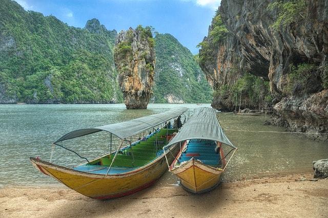 Boats on the beach of Nga Bay
