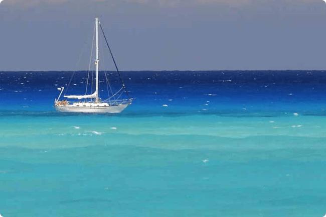 A boat on the water in Bimini Island
