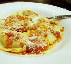 Ravioli with cheese