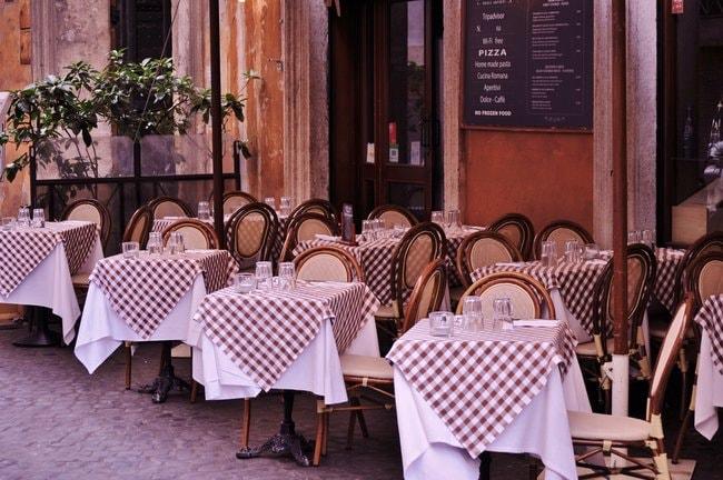 Restaurant in Naples Italy