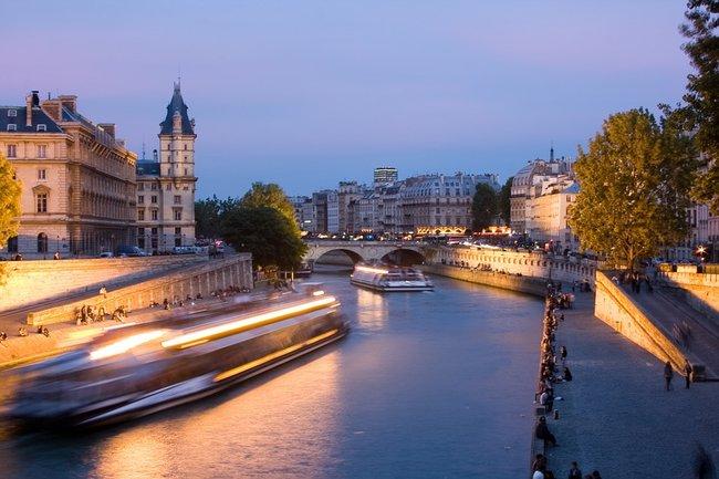 Paris seine tour