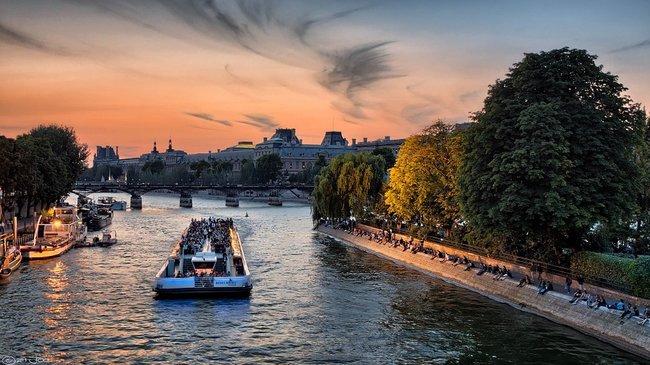 Paris seine cruise in the evening