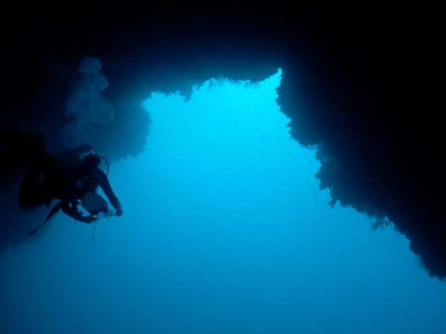 Blue Hole diving charter vacation
