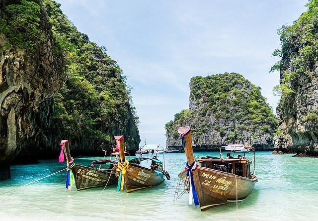 Phuket sailing destinations for couple