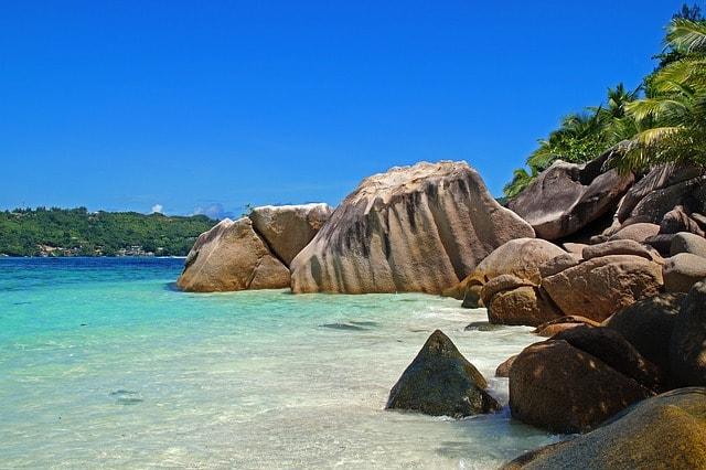 Seychelles Sailing destination for couple