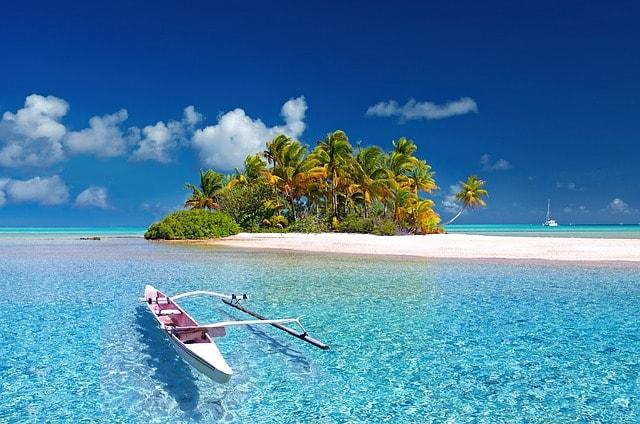 Tahiti sailing destination for couple