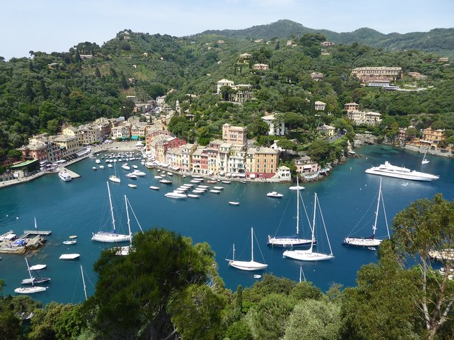 Private yacht charter in Italy