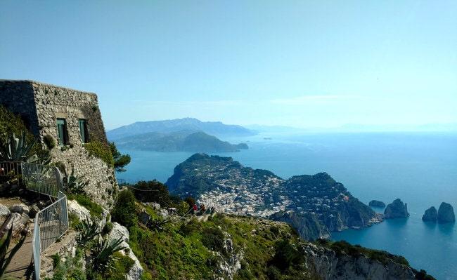 Boat tour from Napples or Sorrento around Capri