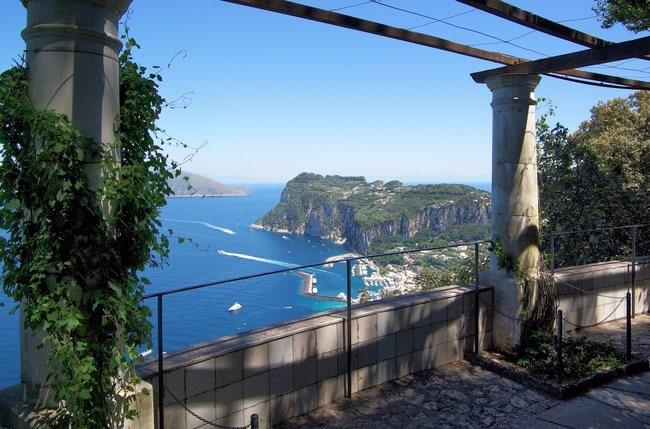 Boat tour at Villa St Michelle Capri