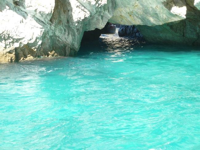 Boat tour at Green Grotto in Capri