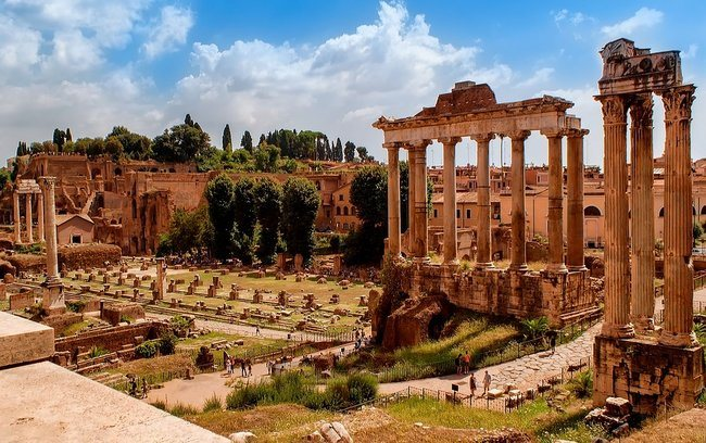 Colosseum and Forum with Rome Must See Walking Tour