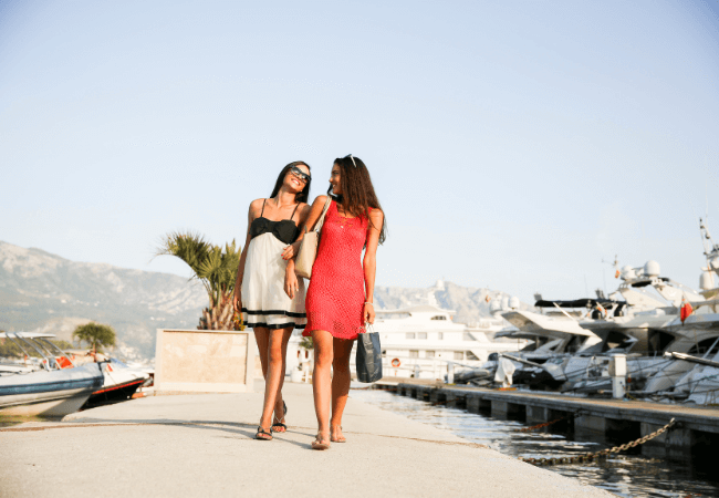 Women Dress Code for a wedding on a boat